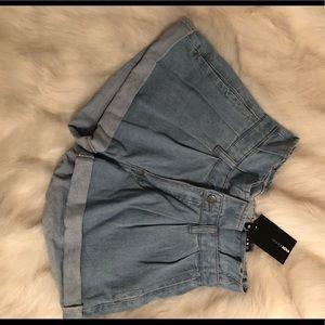 Cute high waist shorts